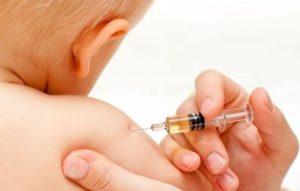 vaccino e bimbo