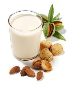 La mandorla, un frutto da latte